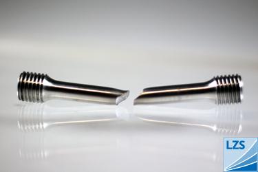 Werkstoffprüfungen » Metallprüfkörper nach Versagensprüfung